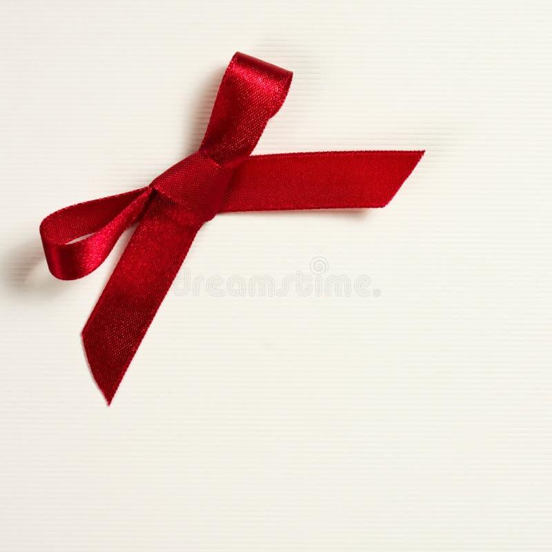 Κόκκινο τόξο δώρων στοκ εικόνες
