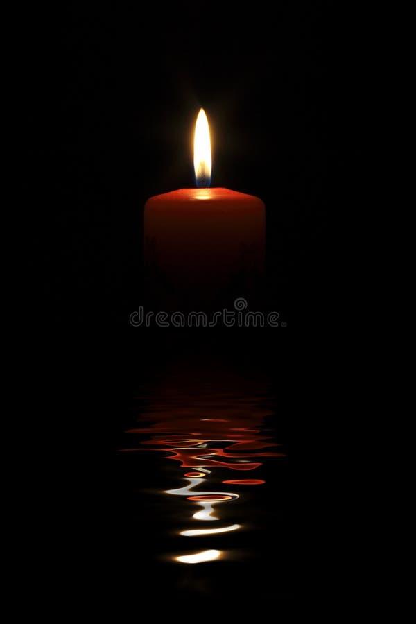 κόκκινο φλογών κεριών perfekt στοκ εικόνα με δικαίωμα ελεύθερης χρήσης