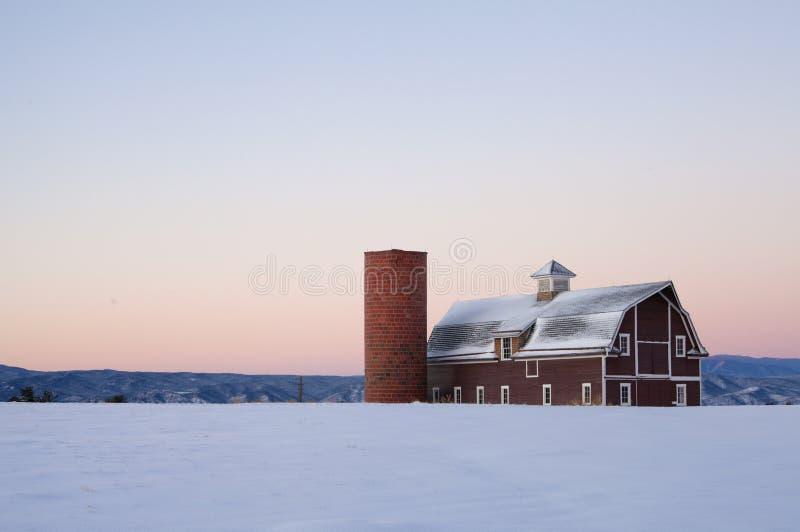 κόκκινο χιόνι εικόνας πεδί& στοκ εικόνες