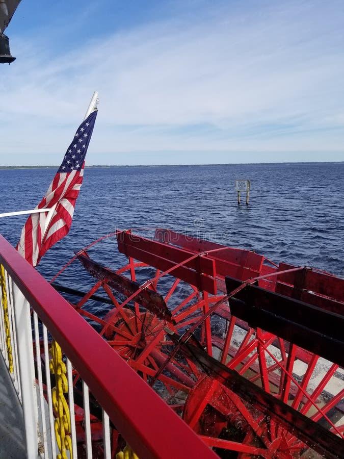 Κόκκινο paddleboat, Φλώριδα στοκ εικόνες
