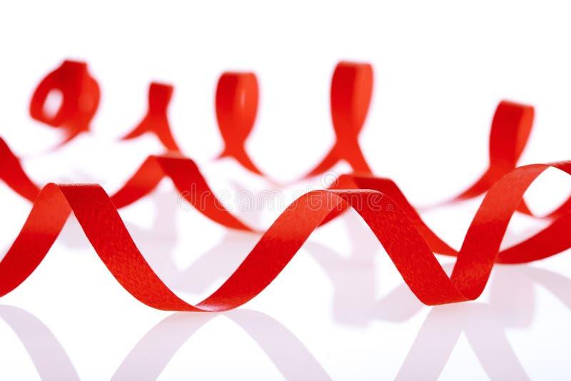 Download κόκκινο ribbom στοκ εικόνες. εικόνα από μορφή, αγάπη - 13182754