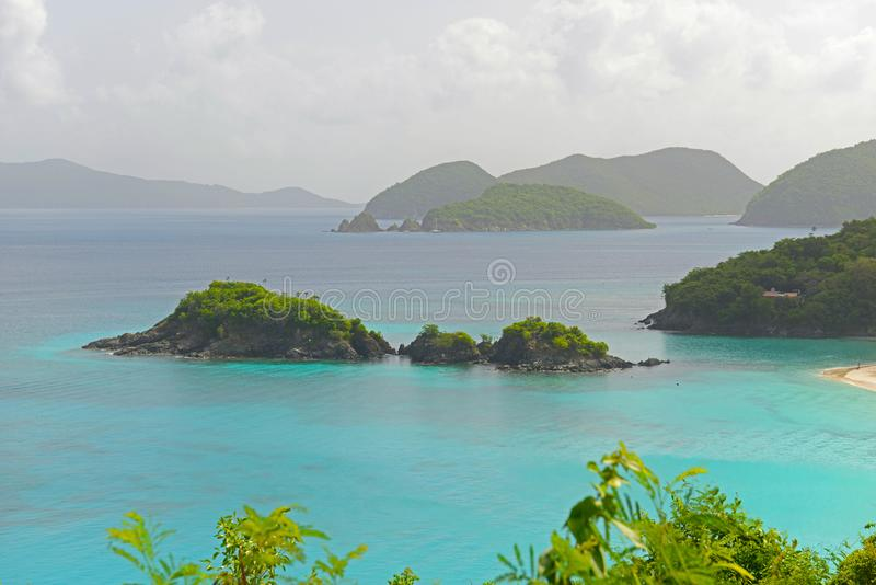 Κόλπος κορμών, νησί Αγίου John, αμερικανικοί Παρθένοι Νήσοι στοκ φωτογραφίες