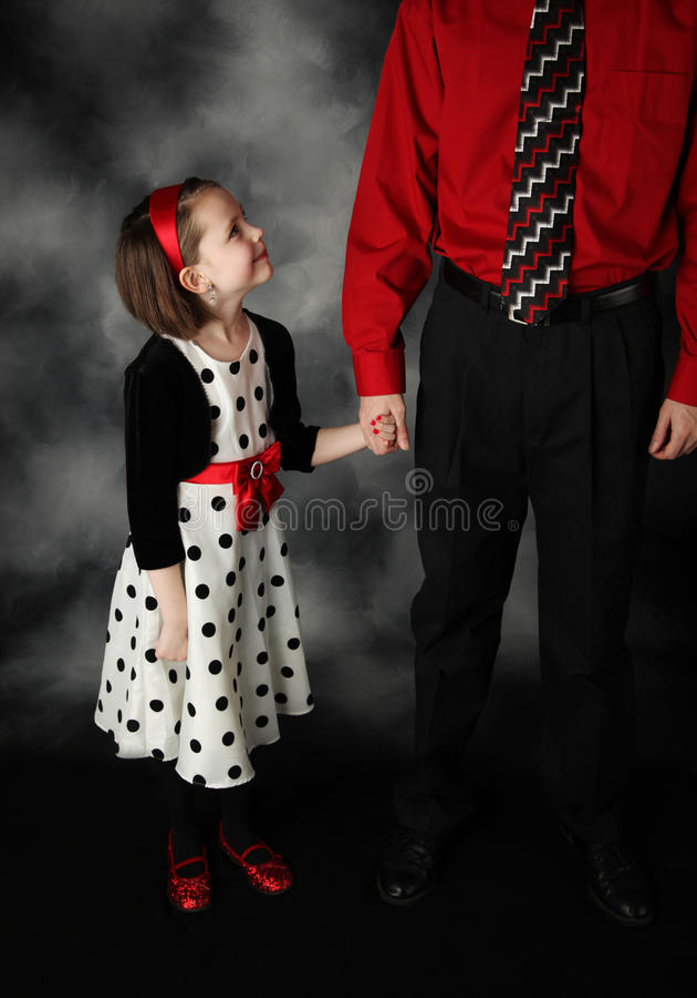 κόρη μπαμπάδων αυτή που ανα&tau στοκ φωτογραφία