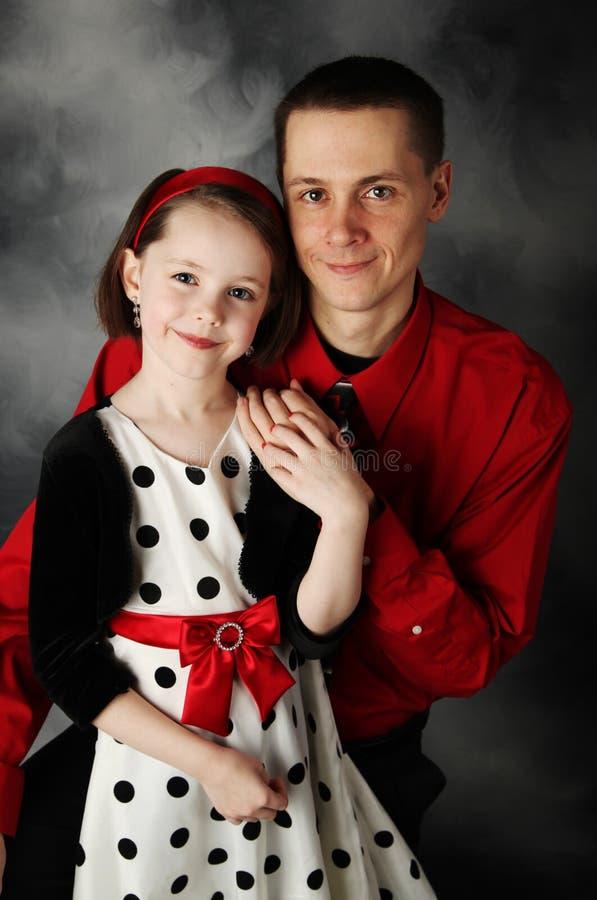 κόρη μπαμπάδων που ντύνεται &ep στοκ φωτογραφία με δικαίωμα ελεύθερης χρήσης