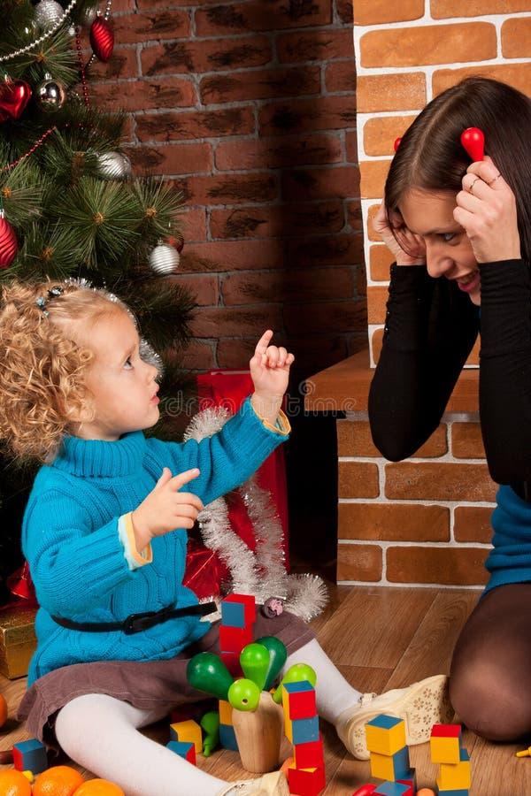 κόρη Χριστουγέννων η μητέρα &ta στοκ εικόνα με δικαίωμα ελεύθερης χρήσης