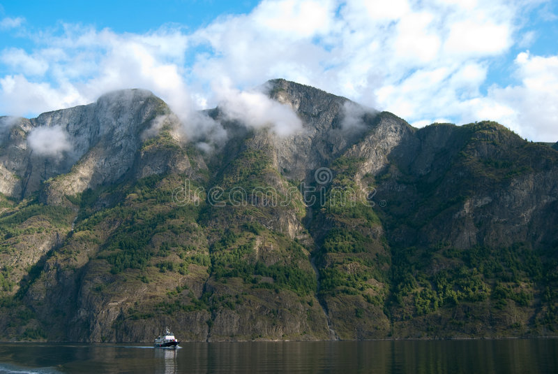 κόσμος της ΟΥΝΕΣΚΟ περιοχών της Νορβηγίας κληρονομιάς naeroyfjord στοκ εικόνες