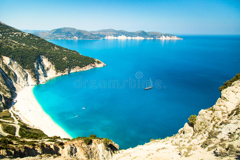 Κόλπος και παραλία Myrtos στο νησί Kefalonia, Ελλάδα στοκ φωτογραφίες