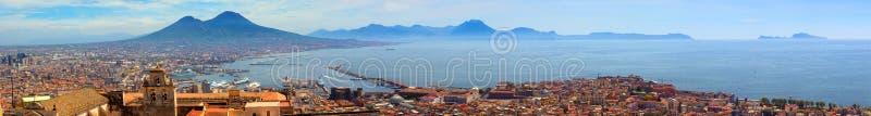Κόλπος της πανοραμικής άποψης της Νάπολης και Capri στοκ εικόνα με δικαίωμα ελεύθερης χρήσης