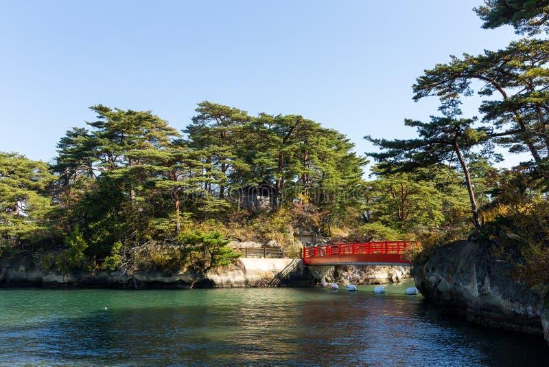 Κόλπος Matsushima και κόκκινη γέφυρα στοκ φωτογραφίες