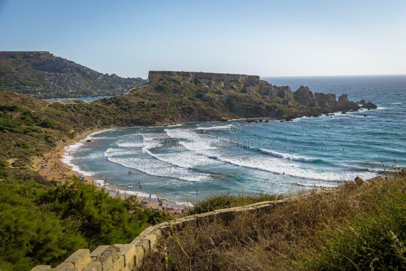 Κόλπος Tuffieha Ghajn κοντά στο χρυσό κόλπο - Μάλτα στοκ φωτογραφία με δικαίωμα ελεύθερης χρήσης