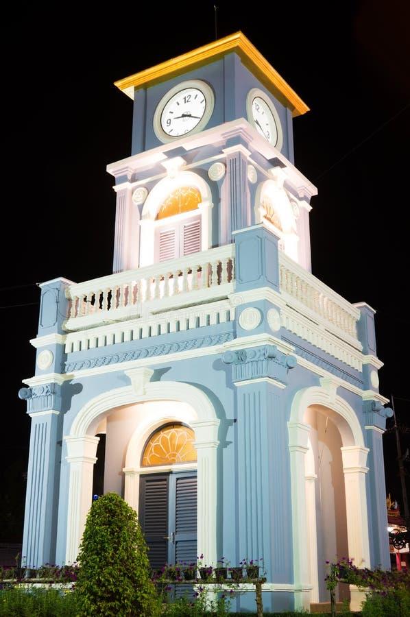 Κύκλος Surin με τον πύργο ρολογιών στην πόλη Phuket στοκ φωτογραφίες με δικαίωμα ελεύθερης χρήσης