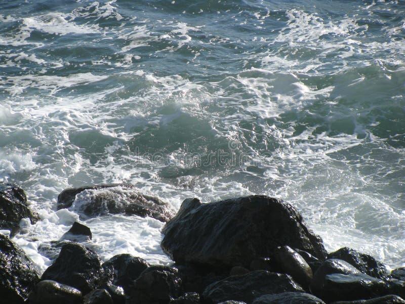 Κύματα και πέτρες απεικόνιση αποθεμάτων