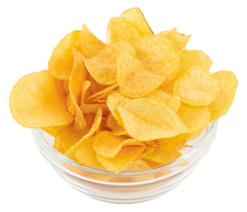 Κύπελλο τσιπ πατατών που απομονώνεται στο άσπρο υπόβαθρο, με το ψαλίδισμα της πορείας στοκ φωτογραφίες