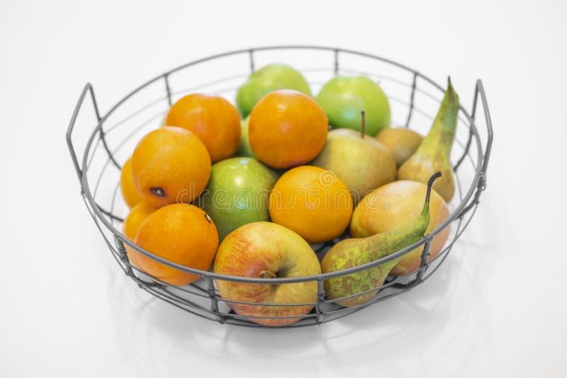 κύπελλο φρούτων με τα μικτά φρούτα στοκ φωτογραφία με δικαίωμα ελεύθερης χρήσης