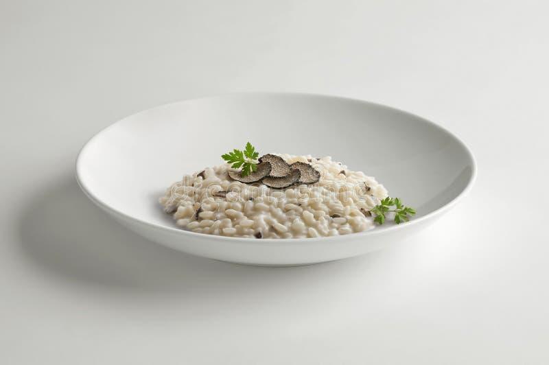 Κύπελλο του risotto με την τρούφα στοκ εικόνα με δικαίωμα ελεύθερης χρήσης