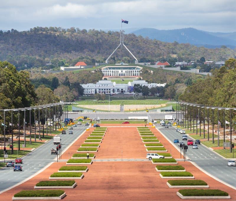 Κύρια άποψη της Καμπέρρα Αυστραλία από το πολεμικό μουσείο στο Κοινοβούλιο ho στοκ φωτογραφία