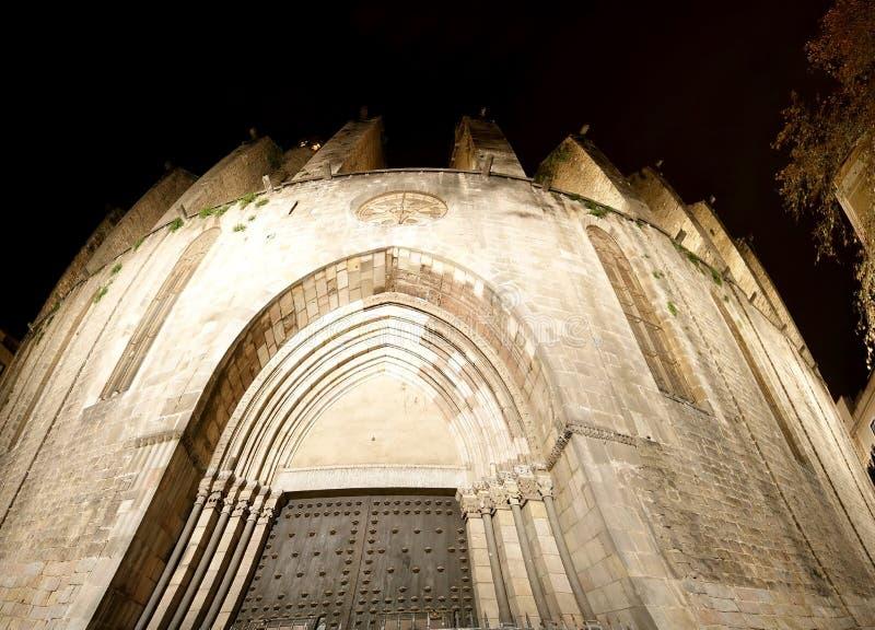 Κύρια πρόσοψη της Σάντα Μαρία del pi τη νύχτα -- Βαρκελώνη, Καταλωνία, Ισπανία στοκ εικόνες με δικαίωμα ελεύθερης χρήσης
