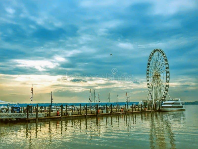 Κύρια ρόδα Ferris στο εθνικό λιμάνι στη Μέρυλαντ στοκ φωτογραφία