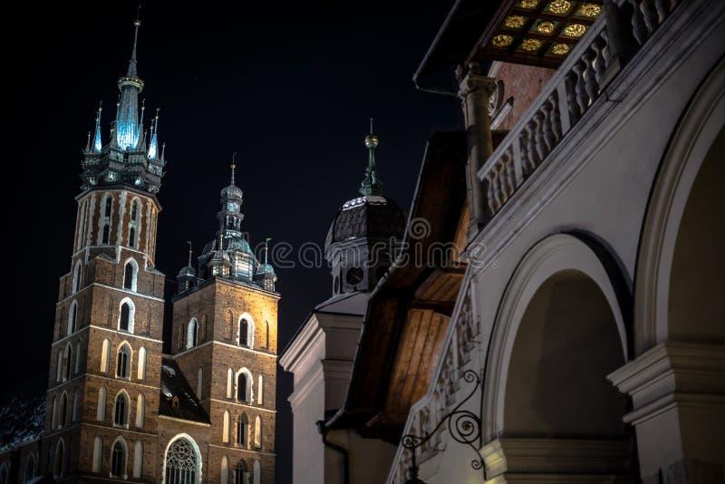 Κύρια τετραγωνική νύχτα της Κρακοβίας στοκ φωτογραφία
