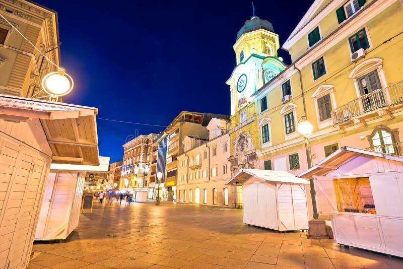 Κύρια τετραγωνική Korzo άποψη βραδιού του Rijeka στοκ εικόνα
