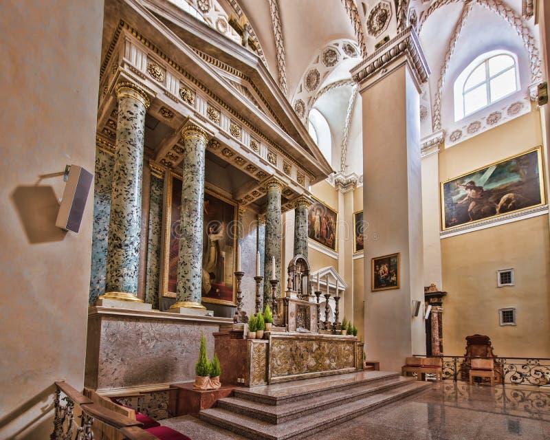 Κύριος βωμός με τη ζωγραφική στον καθεδρικό ναό Vilnius στοκ φωτογραφία με δικαίωμα ελεύθερης χρήσης