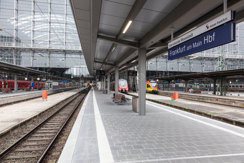 Κύριος σταθμός τρένου στον κεντρικό αγωγό της Φρανκφούρτης στοκ φωτογραφίες με δικαίωμα ελεύθερης χρήσης