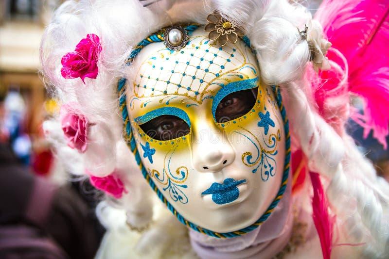 Κύριο άρθρο, στις 4 Μαρτίου 2017: Rosheim, Γαλλία: Ενετική μάσκα καρναβαλιού στοκ εικόνα