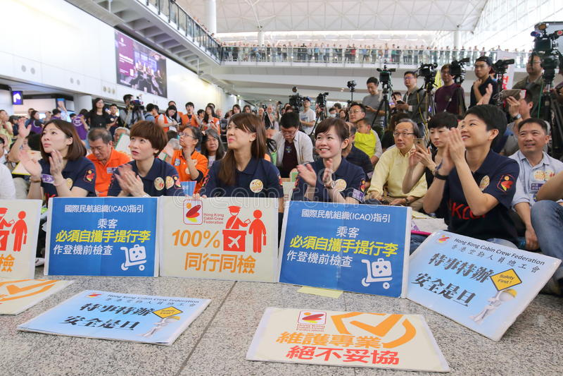 Κύριο εκτελεστικό γεγονός αποσκευών διαμαρτυρίας στον αερολιμένα Χονγκ Κονγκ στοκ εικόνα