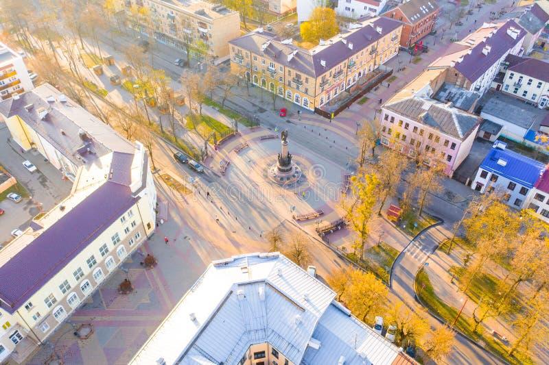 Κύριο τετράγωνο στο Brest στο ηλιόλουστο πρωί Πόλης εναέριο τοπίο στοκ εικόνα με δικαίωμα ελεύθερης χρήσης