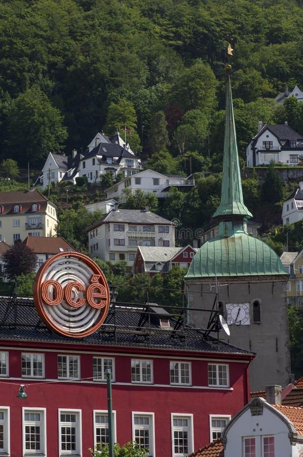 Κώνος και βουνοπλαγιά εκκλησιών στοκ φωτογραφία