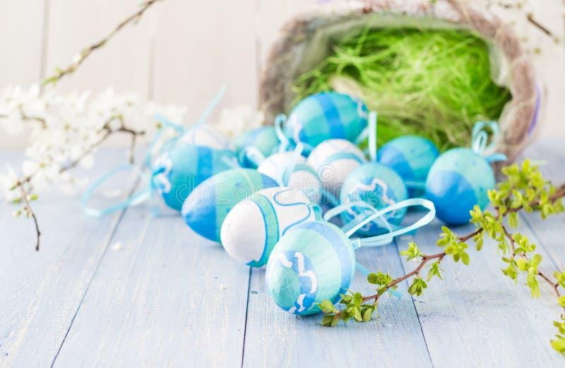 Κλάδοι άνοιξη αυγών Πάσχας άποψης στοκ φωτογραφία με δικαίωμα ελεύθερης χρήσης