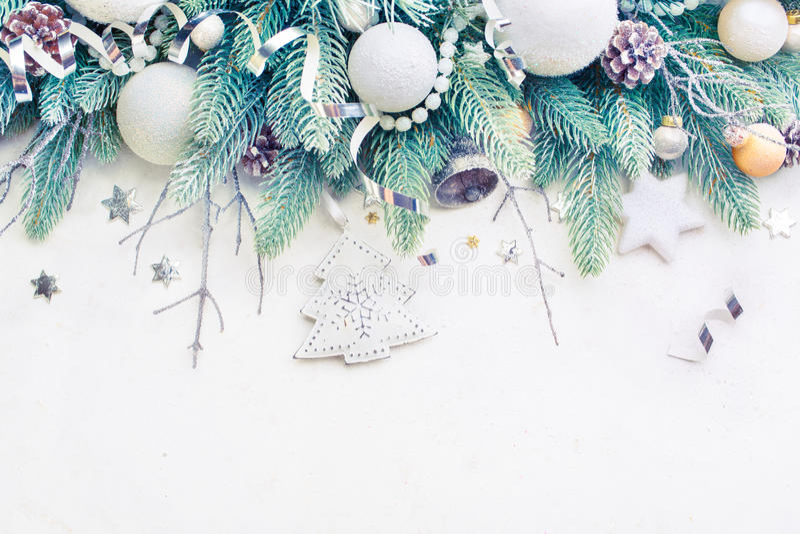 Download Κλάδοι πεύκων χριστουγεννιάτικων δέντρων Στοκ Εικόνα - εικόνα από αγροτικός, εποχή: 62708897