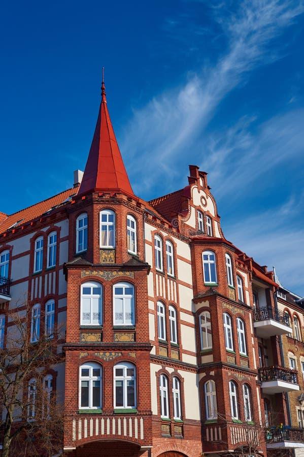 Κλίνκερ στις προσόψεις των κτηρίων Nouveau τέχνης στοκ φωτογραφίες