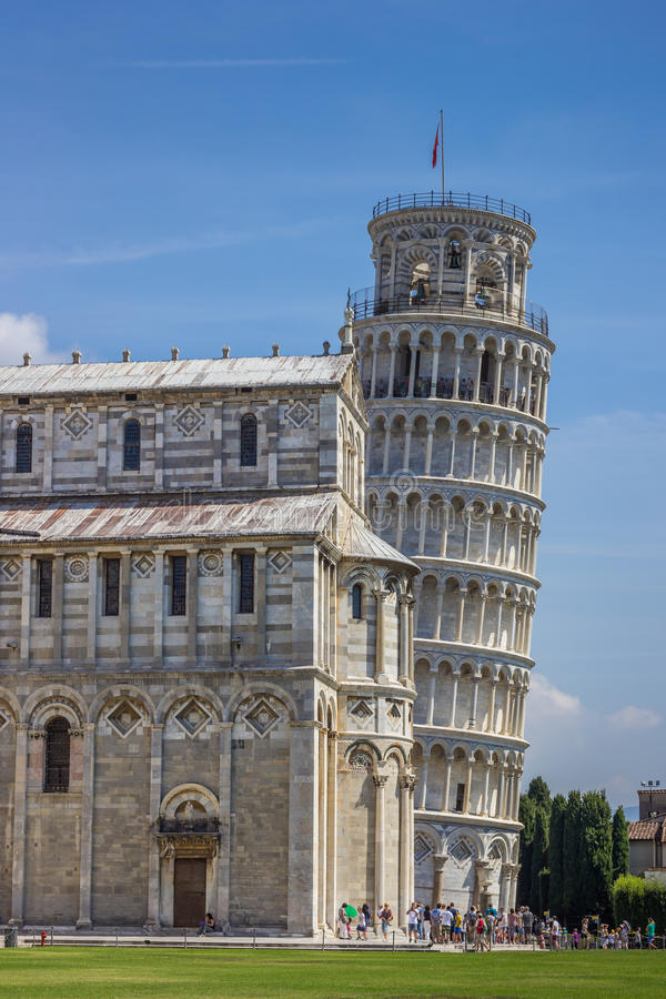 Κλίνοντας πύργος και Duomo της Πίζας στοκ φωτογραφία