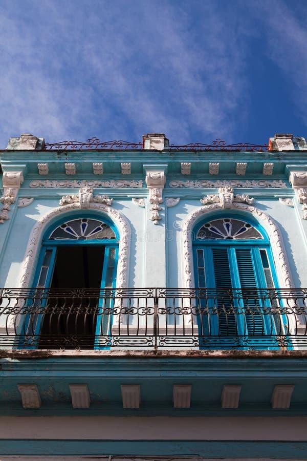Κλασική αποικιακή αρχιτεκτονική στην Αβάνα, Κούβα στοκ εικόνα