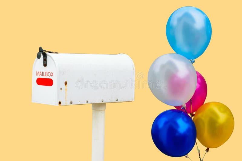 Κλασική ταχυδρομική θυρίδα με το μπαλόνι στοκ φωτογραφίες