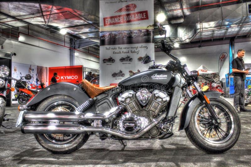 Κλασικός Αμερικανός έχτισε την ινδική μοτοσικλέτα ανιχνεύσεων στοκ φωτογραφίες