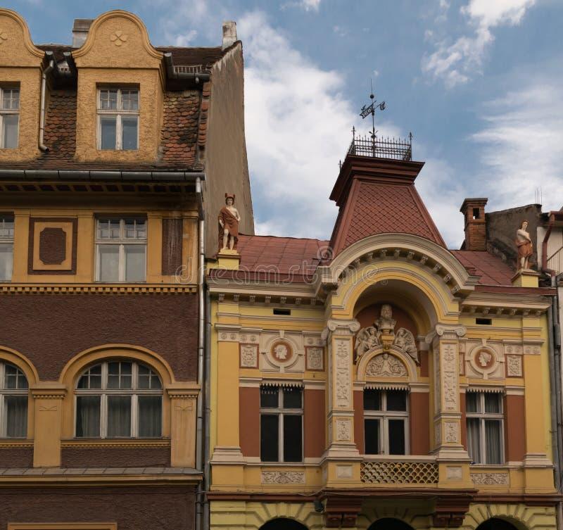Κλασικό αρχιτεκτονικό κτήριο ύφους σε Brasov, Ρουμανία, Τρανσυλβανία, Ευρώπη στοκ φωτογραφίες