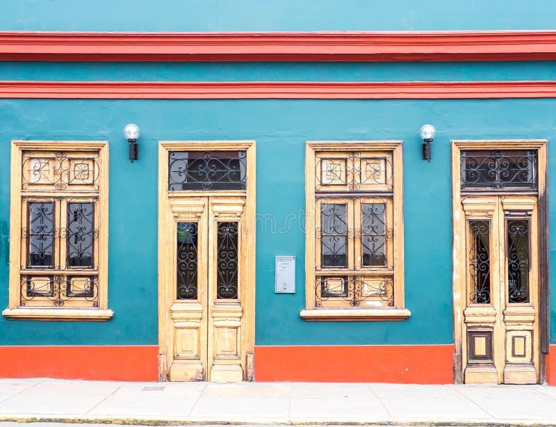 Κλασσικά περουβιανά σπίτια στοκ φωτογραφία