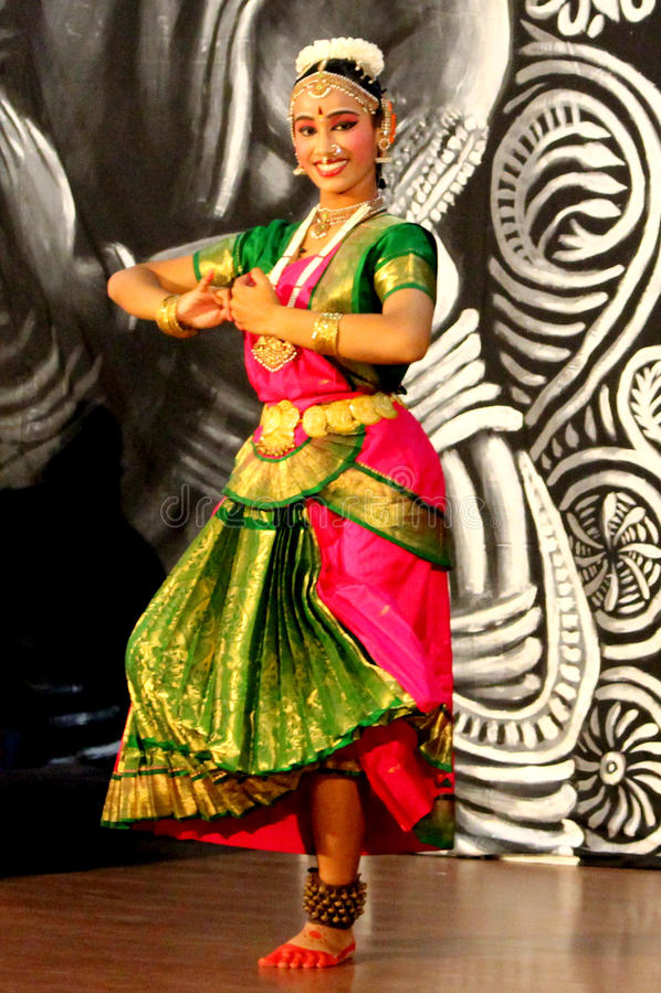 κλασσικός χορευτής Ινδό& στοκ φωτογραφία