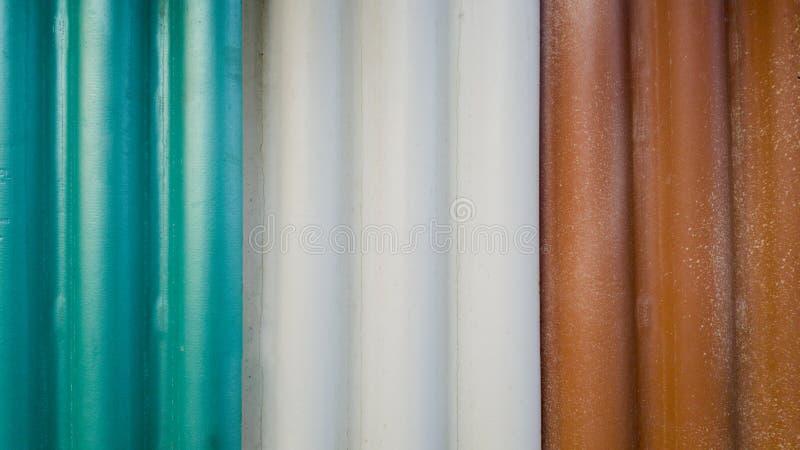 Κλείστε επάνω, ζωηρόχρωμα κεραμίδια στεγών στοκ φωτογραφία με δικαίωμα ελεύθερης χρήσης