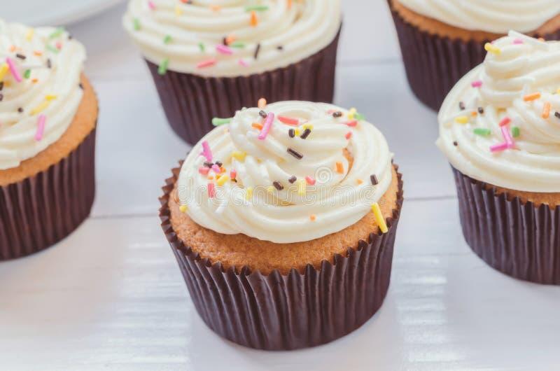Κλείστε επάνω της βανίλιας cupcake στοκ φωτογραφία με δικαίωμα ελεύθερης χρήσης