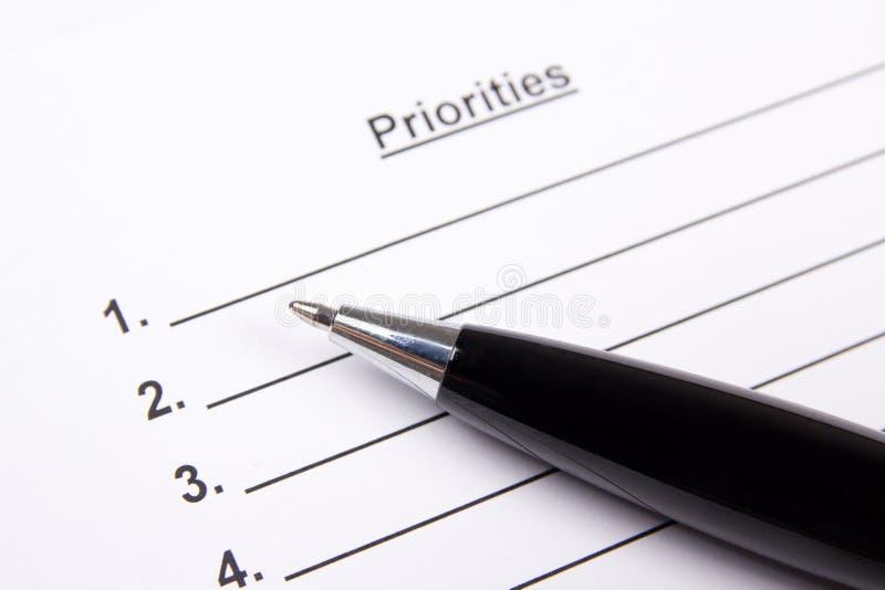 Κλείστε επάνω του κενού καταλόγου προτεραιοτήτων και μάνδρας στοκ εικόνες