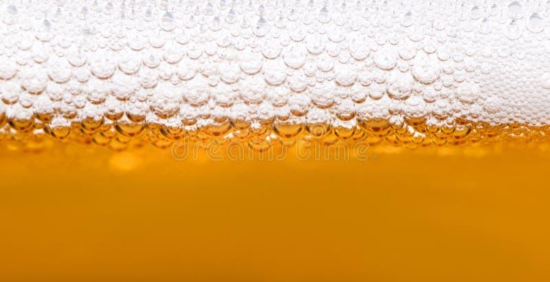Κλείστε επάνω των φυσαλίδων μπύρας στοκ φωτογραφία με δικαίωμα ελεύθερης χρήσης
