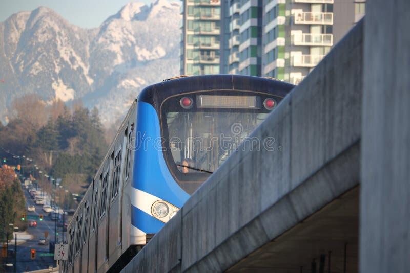 Κλείστε στη γραμμή Skytrain του Καναδά στοκ εικόνα