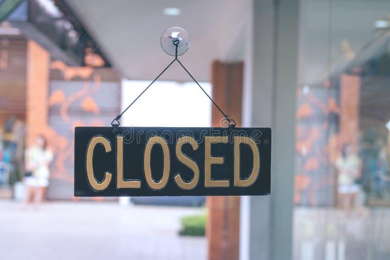 Κλειστό σημάδι στο κατάστημα, νησί του Μπαλί στοκ εικόνα