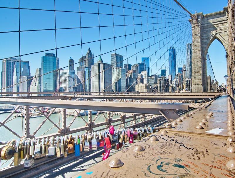 Κλειδαριές αγάπης στη γέφυρα του Μπρούκλιν, Νέα Υόρκη στοκ εικόνες με δικαίωμα ελεύθερης χρήσης
