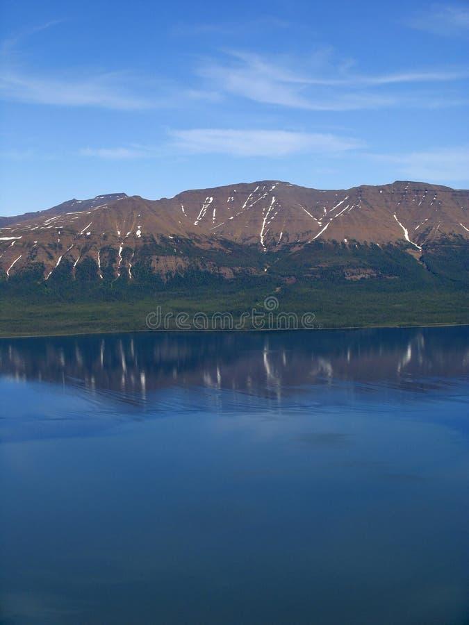 Download λάμα λιμνών στοκ εικόνα. εικόνα από αντανάκλαση, ύδωρ, φωτογραφία - 60439