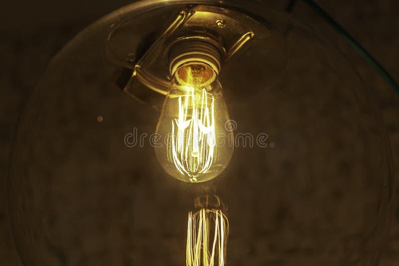Λάμπα φωτός του Edison στο προσάρτημα στοκ φωτογραφία με δικαίωμα ελεύθερης χρήσης