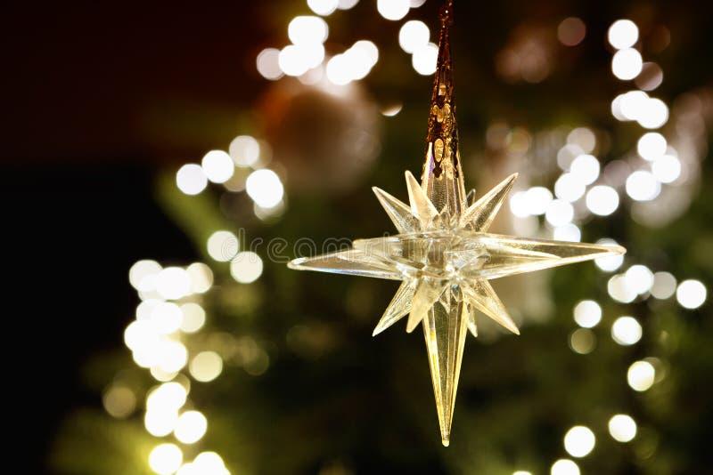 Λάμποντας αστέρι Χριστουγέννων στοκ εικόνες με δικαίωμα ελεύθερης χρήσης